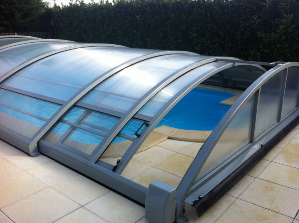 Protection de piscine genilac r nov 39 piscines for Protection piscine
